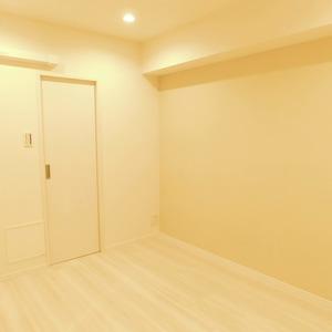 信濃町ハイム(4階,4680万円)の洋室(2)