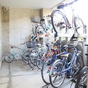朝日動坂マンションの駐輪場