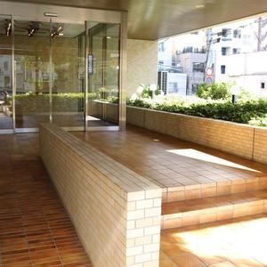 朝日動坂マンションのマンションの入口・エントランス