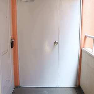 日興パレス文京(3階,)のフロア廊下(エレベーター降りてからお部屋まで)
