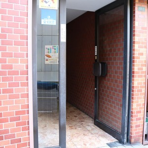 日興パレス文京のマンションの入口・エントランス