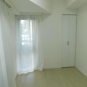 クレッセント目黒3(4階,5580万円)の洋室