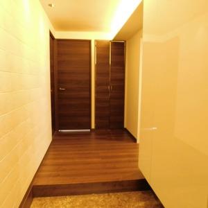 ファミール久堅(6階,)のお部屋の玄関