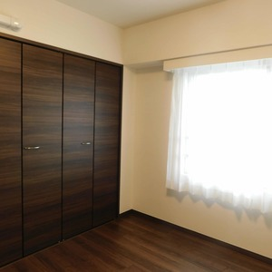 ファミール久堅(6階,8780万円)の洋室(3)