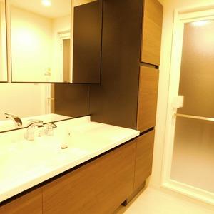 ファミール久堅(6階,)の化粧室・脱衣所・洗面室