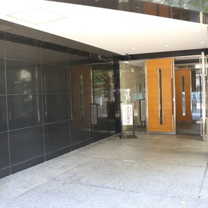 シティハイツ本郷のマンションの入口・エントランス
