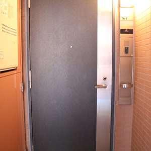 シティハイツ本郷(3階,)のフロア廊下(エレベーター降りてからお部屋まで)