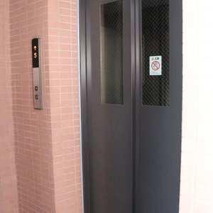 シティハイツ本郷のフロア廊下(エレベーター降りてからお部屋まで)