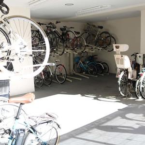 シティハイツ本郷の駐輪場