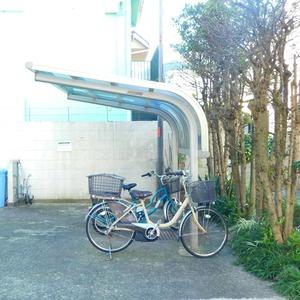 ニュー目黒台ハイツの駐輪場