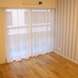 日商岩井本郷マンション(4階,4290万円)の洋室