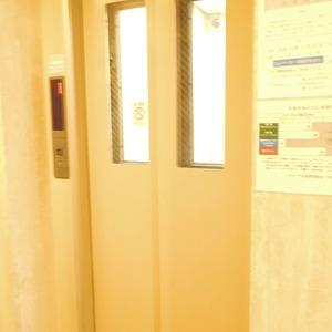 パラスト下目黒のエレベーターホール、エレベーター内