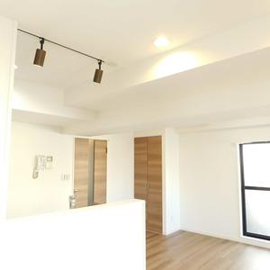 パラスト下目黒(9階,5080万円)の居間(リビング・ダイニング・キッチン)