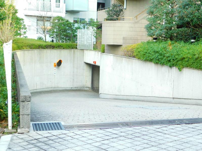 藤和目黒ホームズの駐車場1枚目