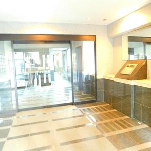 ティアラ目白アベニューのマンションの入口・エントランス