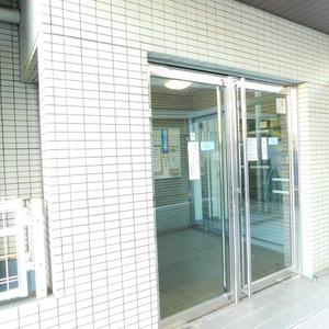レジェンド南長崎のマンションの入口・エントランス