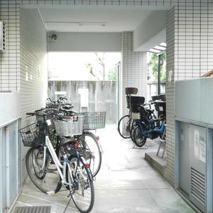 レジェンド南長崎の駐輪場