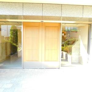 ジェイパーク渋谷東のマンションの入口・エントランス