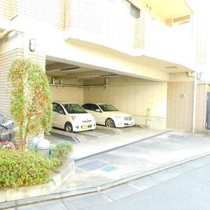 ジェイパーク渋谷東の駐車場