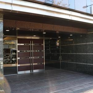 クレストフォルム上野の杜のマンションの入口・エントランス