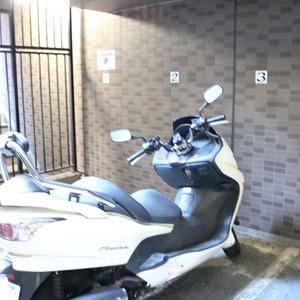 ドラゴンマンション上野壱番館のバイク置場