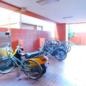 アルカディア新大塚の駐輪場