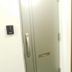 アルカディア新大塚(8階,3790万円)のフロア廊下(エレベーター降りてからお部屋まで)