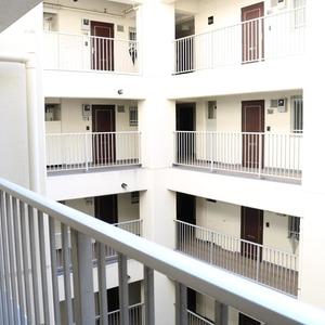 中銀東上野マンシオン(8階,)のフロア廊下(エレベーター降りてからお部屋まで)