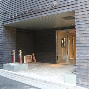 CQレジデンシャル上野のマンションの入口・エントランス