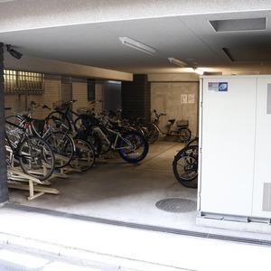 CQレジデンシャル上野の駐輪場