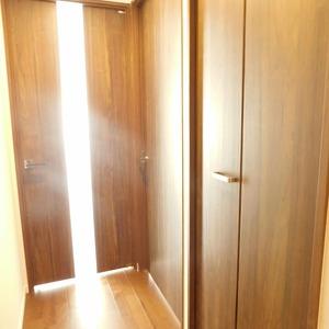 日神パレステージ西麻布(5階,5980万円)のお部屋の廊下