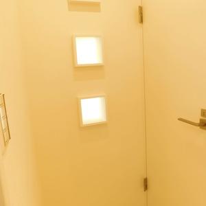 西麻布ハイツ(8階,4280万円)のお部屋の廊下