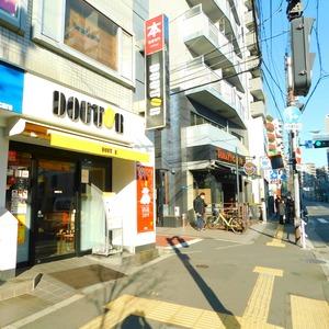 近鉄ハイツ新宿の最寄りの駅周辺・街の様子