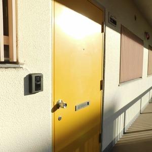 近鉄ハイツ新宿(2階,)のフロア廊下(エレベーター降りてからお部屋まで)