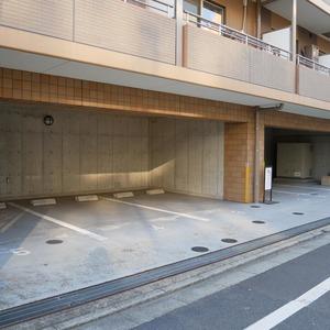フィールA飯田橋の駐車場