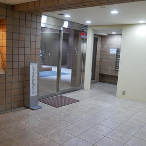 フィールA飯田橋のマンションの入口・エントランス