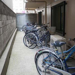 グランドメゾン飯田橋の駐輪場