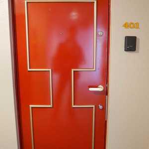 グランドメゾン飯田橋(4階,4499万円)のフロア廊下(エレベーター降りてからお部屋まで)