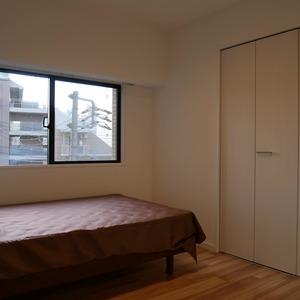 グランドメゾン飯田橋(4階,4499万円)の洋室(2)