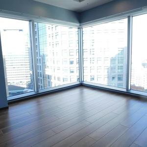 シティタワー九段下(18階,1億680万円)の居間(リビング・ダイニング・キッチン)