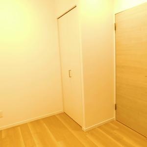 カーネ西早稲田(4階,4290万円)の洋室(2)