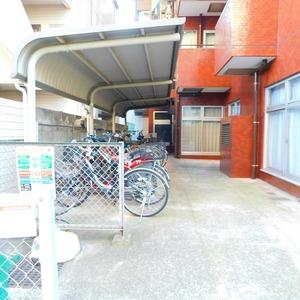 レインボー目白の駐輪場