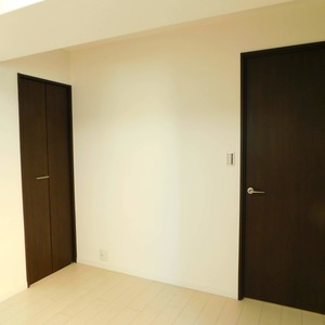レインボー目白(4階,4250万円)の洋室(2)