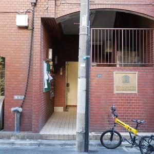 日興パレス秋葉原のマンションの入口・エントランス