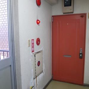 日興パレス秋葉原(5階,)のフロア廊下(エレベーター降りてからお部屋まで)
