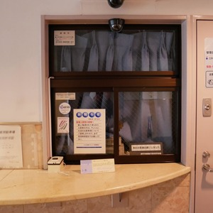 コスモ向島グランコートのマンションの入口・エントランス