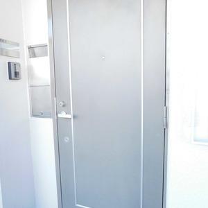 グリーンヒル小石川(5階,)のフロア廊下(エレベーター降りてからお部屋まで)