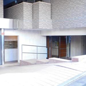 セレナハイム小石川西館の外観