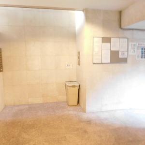 セレナハイム小石川西館の共用ロビー