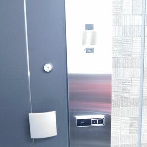 プレシス文京小石川静穏の杜(2階,7680万円)のフロア廊下(エレベーター降りてからお部屋まで)